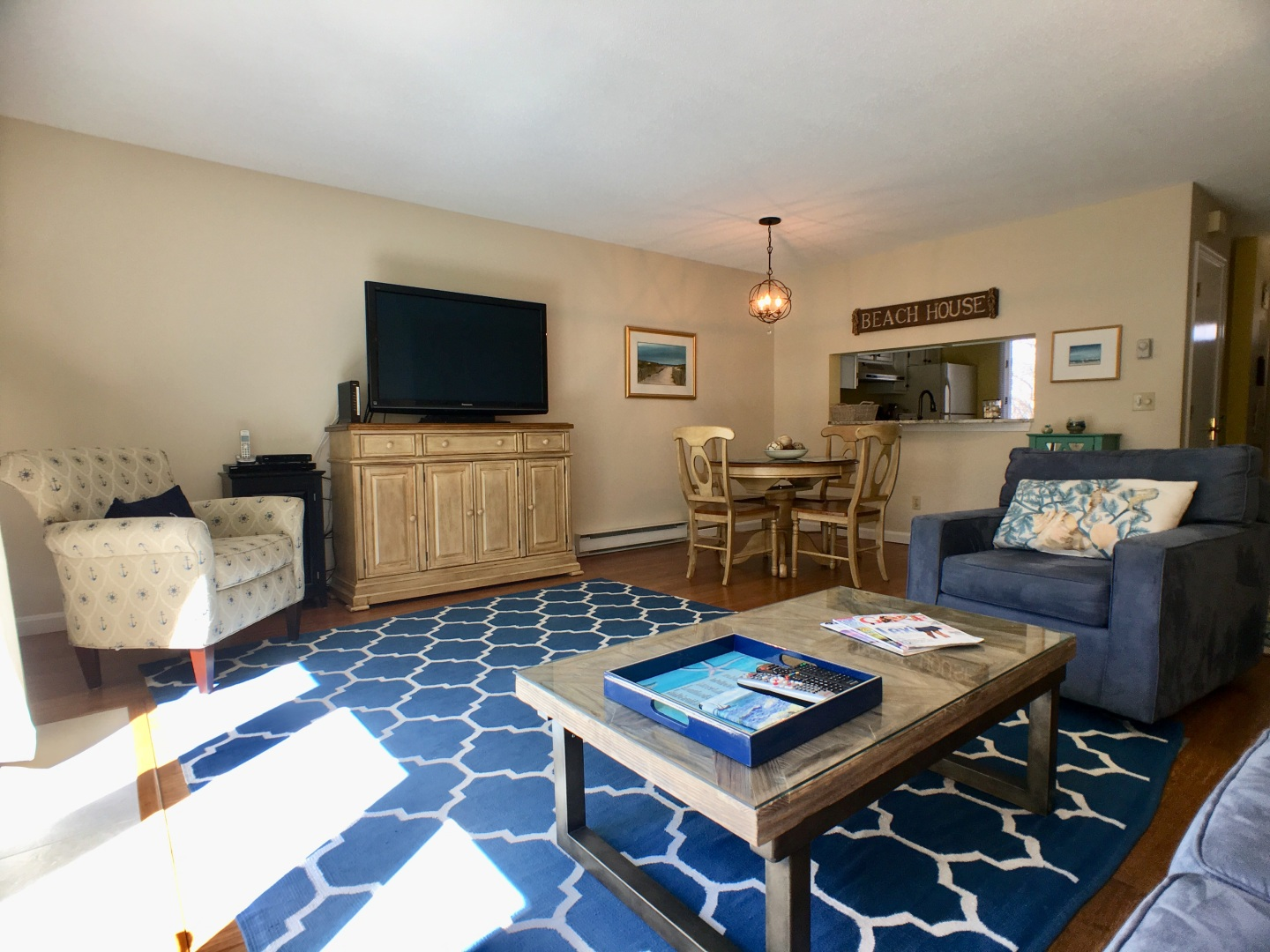 Living Room Cape Cod family getaway sleeps 4