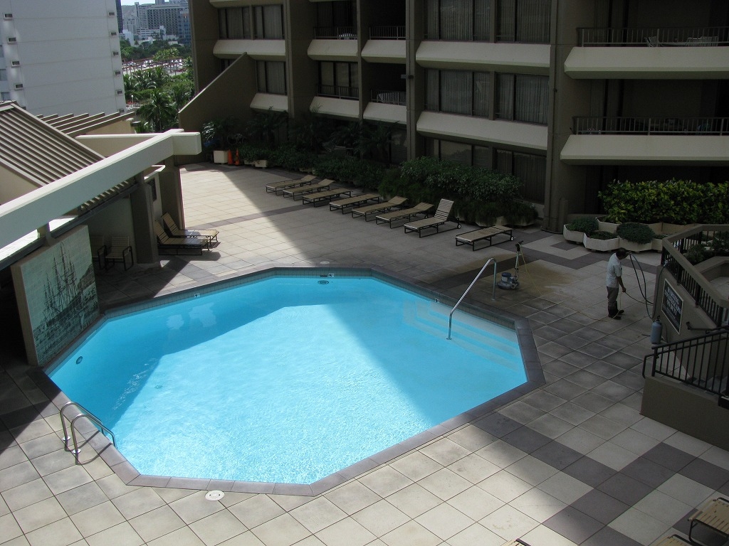 Discovery Bay pool