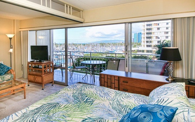 Gorgeous Yacht Harbor View from the bedroom