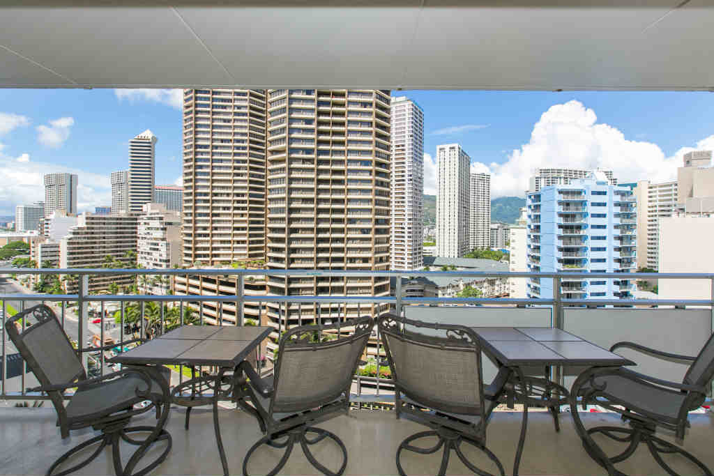 Spacious Lanai To Watch The Bustle of Waikiki