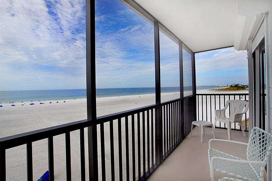 Gulf Front 2 bedroom condo rental on Fort Myers Beach loaded with amenities