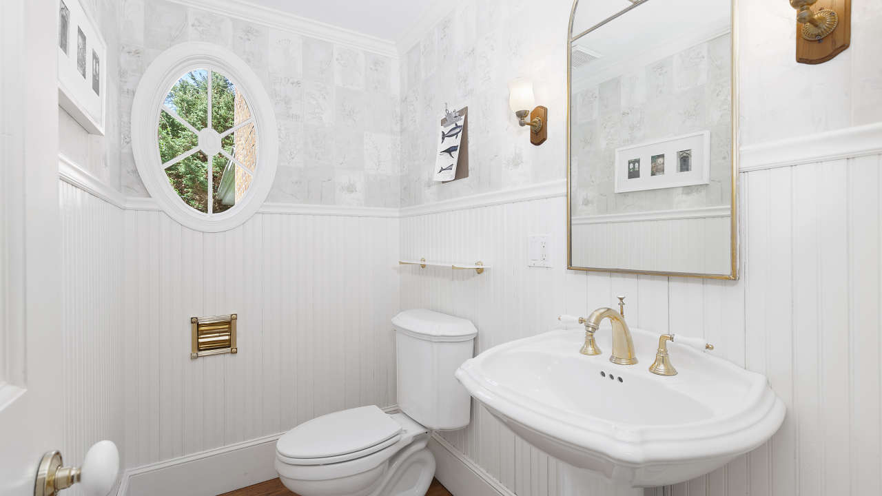 Powder Room for Dinning/Great Room