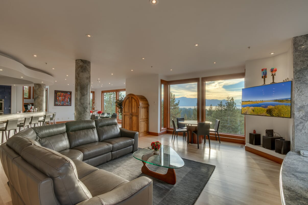 Great Room with Stunning Lake Views