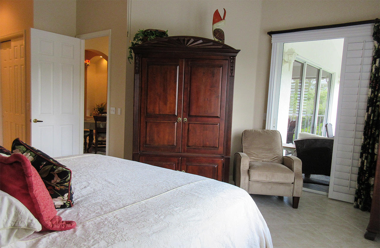 Ostego Bay 191 Master Bedroom En Suite with Private Lanai Access