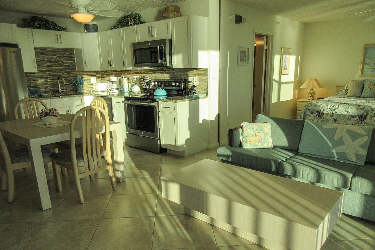 Estero Beach And Tennis Club 1105A Newly Remodeled With Direct Gulf View