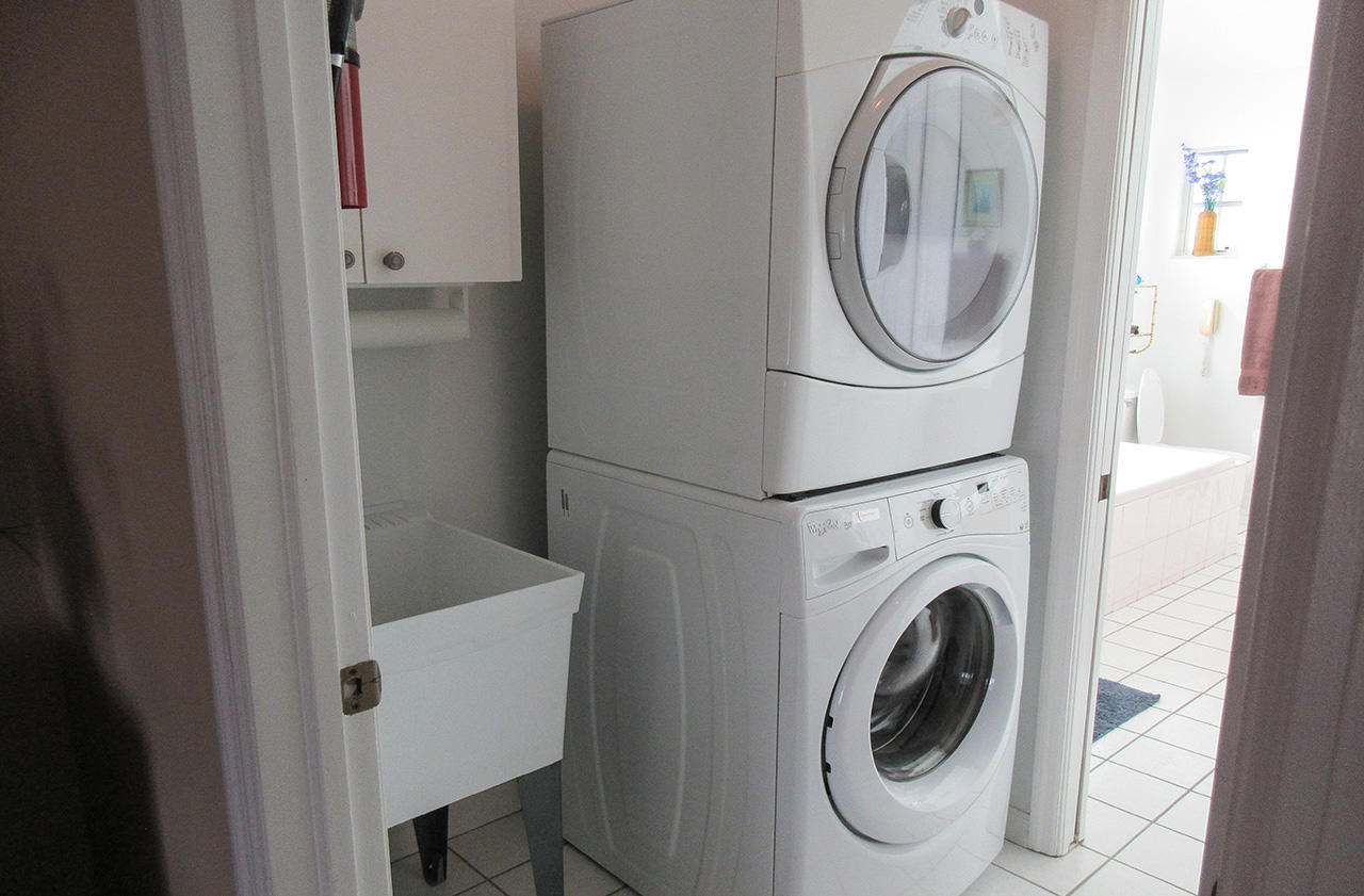 147 Curlew Laundry Room