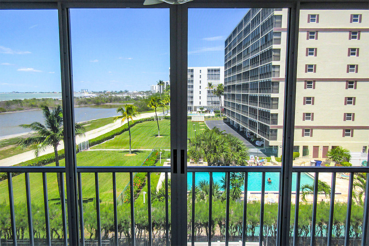 Fabulous Gulf View from Screened In Lanai of Creciente 413N