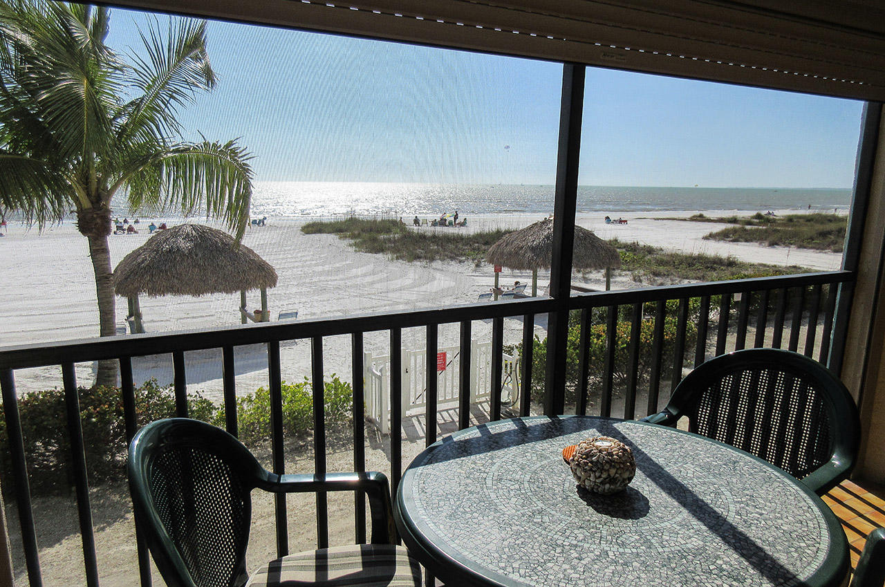Sceened In Lanai View Estero Sands 103