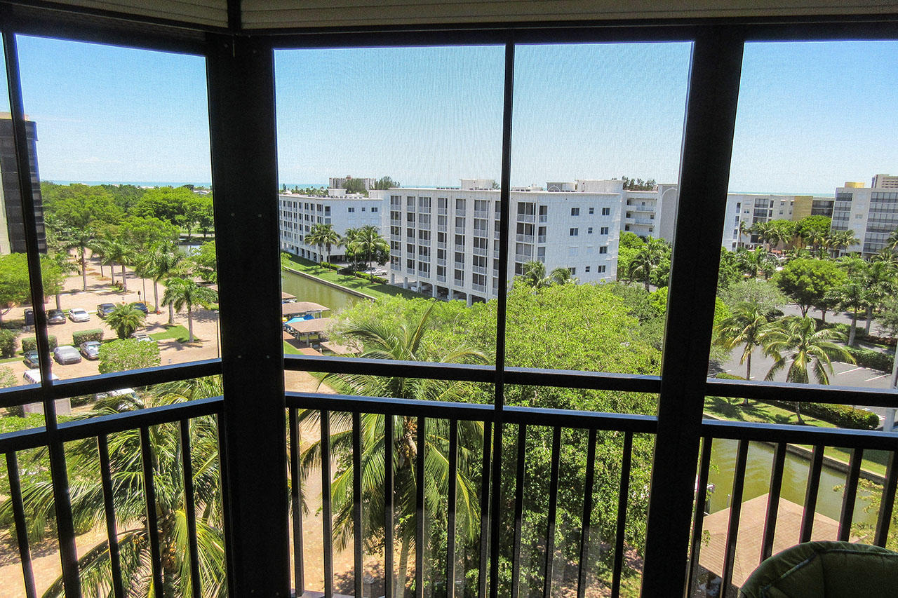 Harbour Pointe 725N - Beautiful 7th Floor Views from your Screened In Lanai