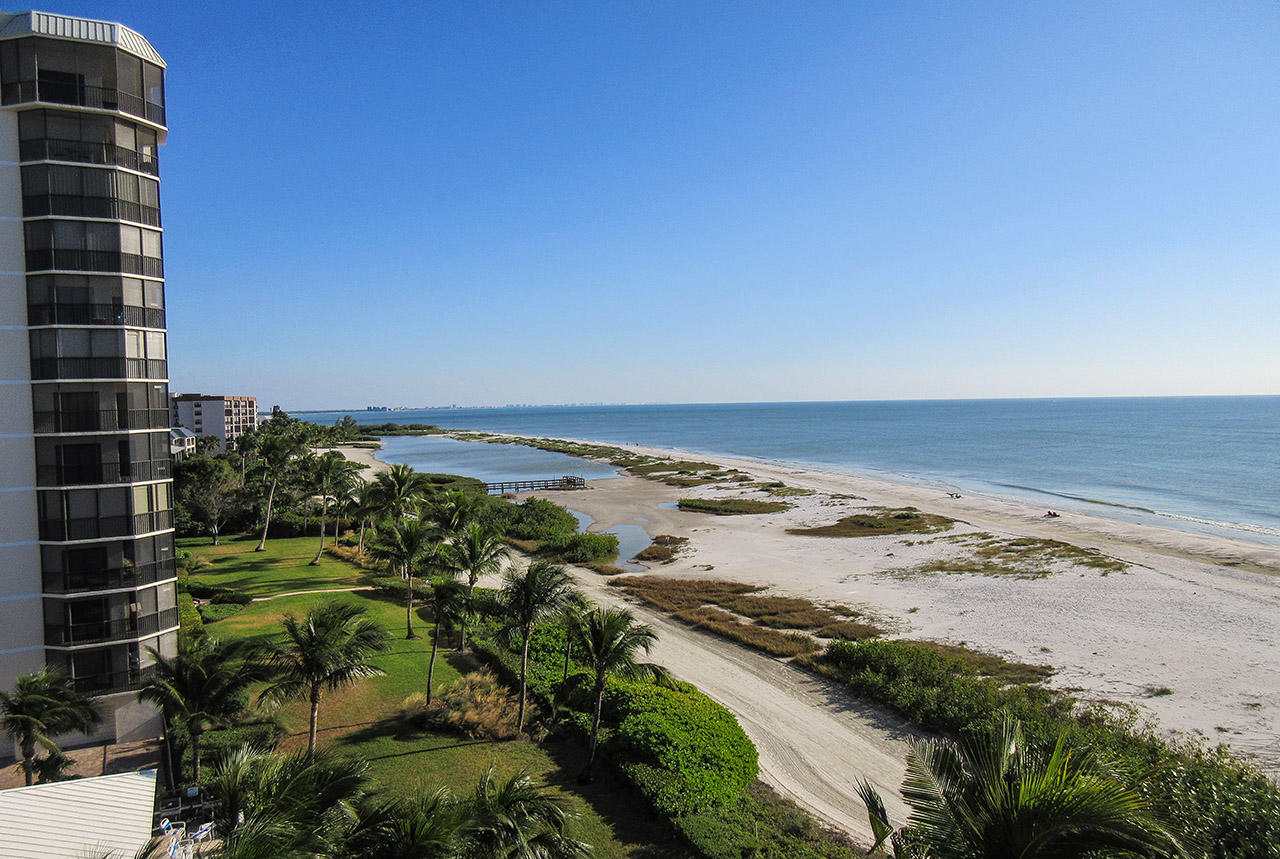 Leonardo Arms 7 Miles of White Sandy Beachfront and Turquoise Gulf Waters