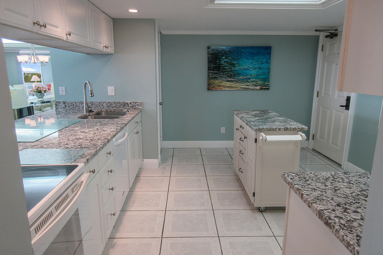 Brand New Kitchen has New Appliances and Breakfast Bar