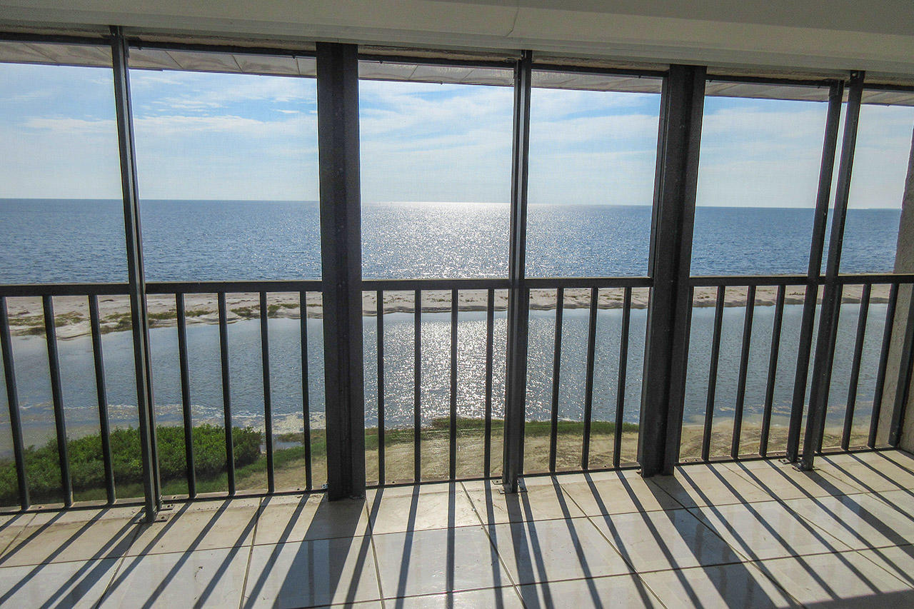 Breathtaking Direct Gulf Views From Your Huge Screened In Lanai
