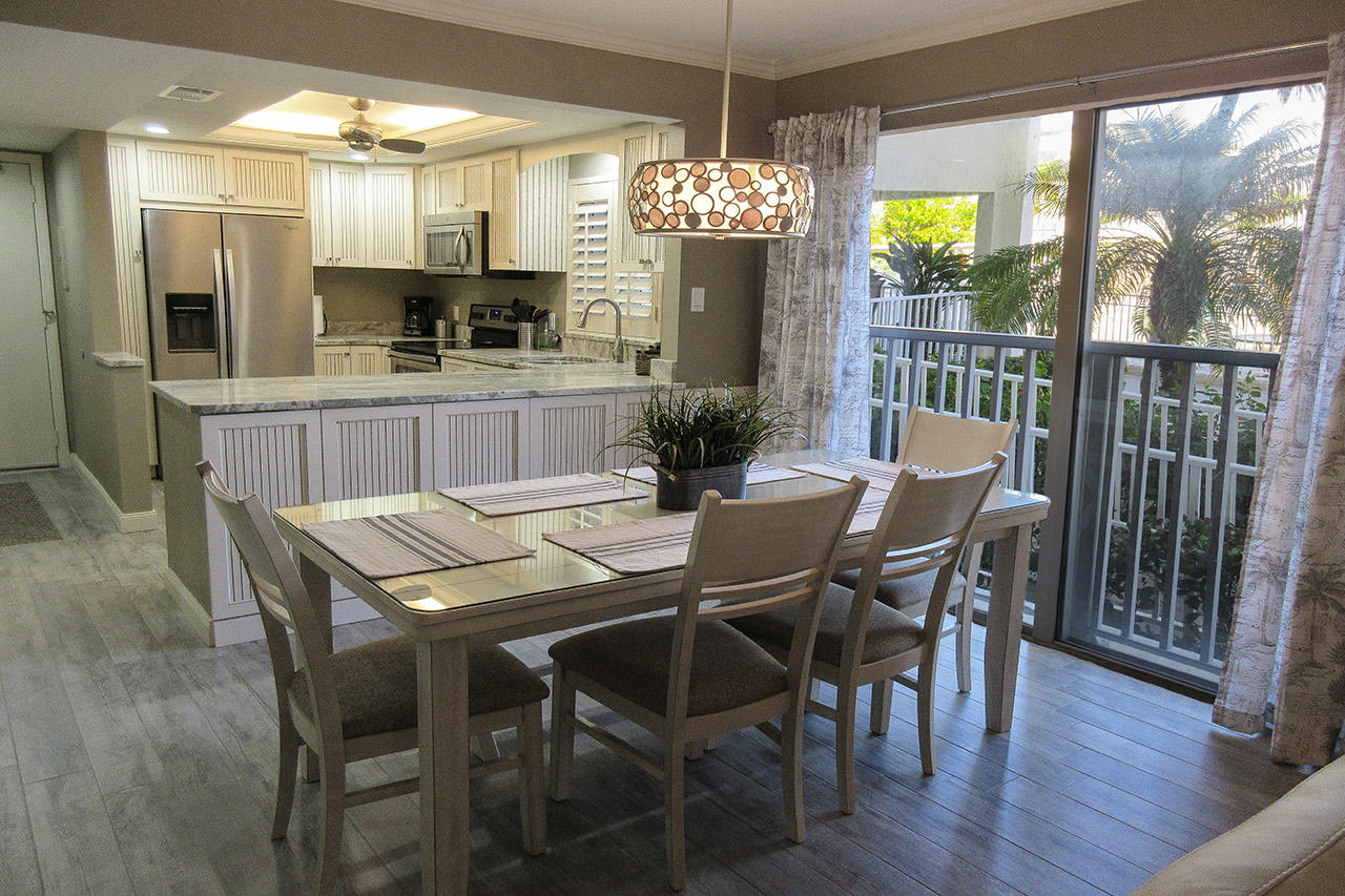 Sand Caper 108 Fully Equipped Kitchen and Dining Area