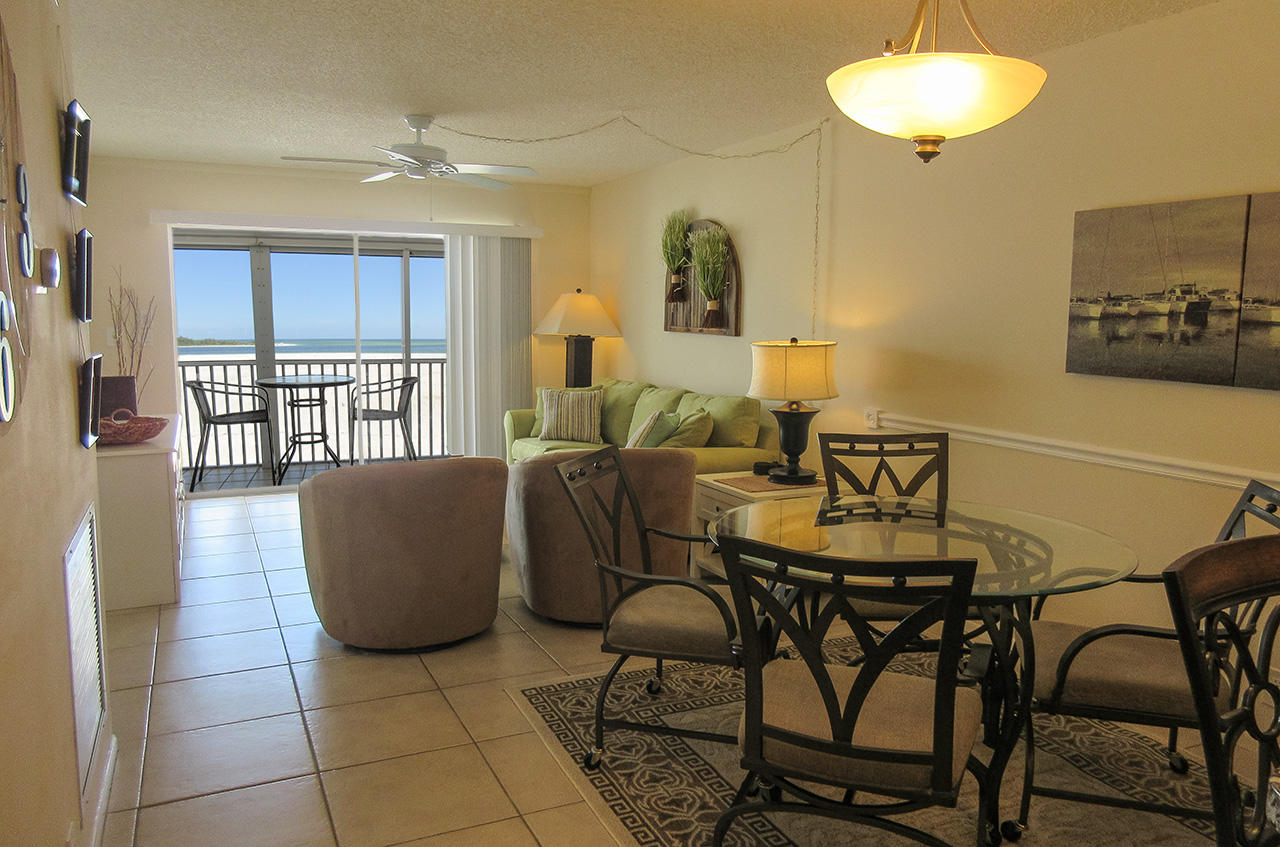Beautiful Beachfront Castle Beach 302
