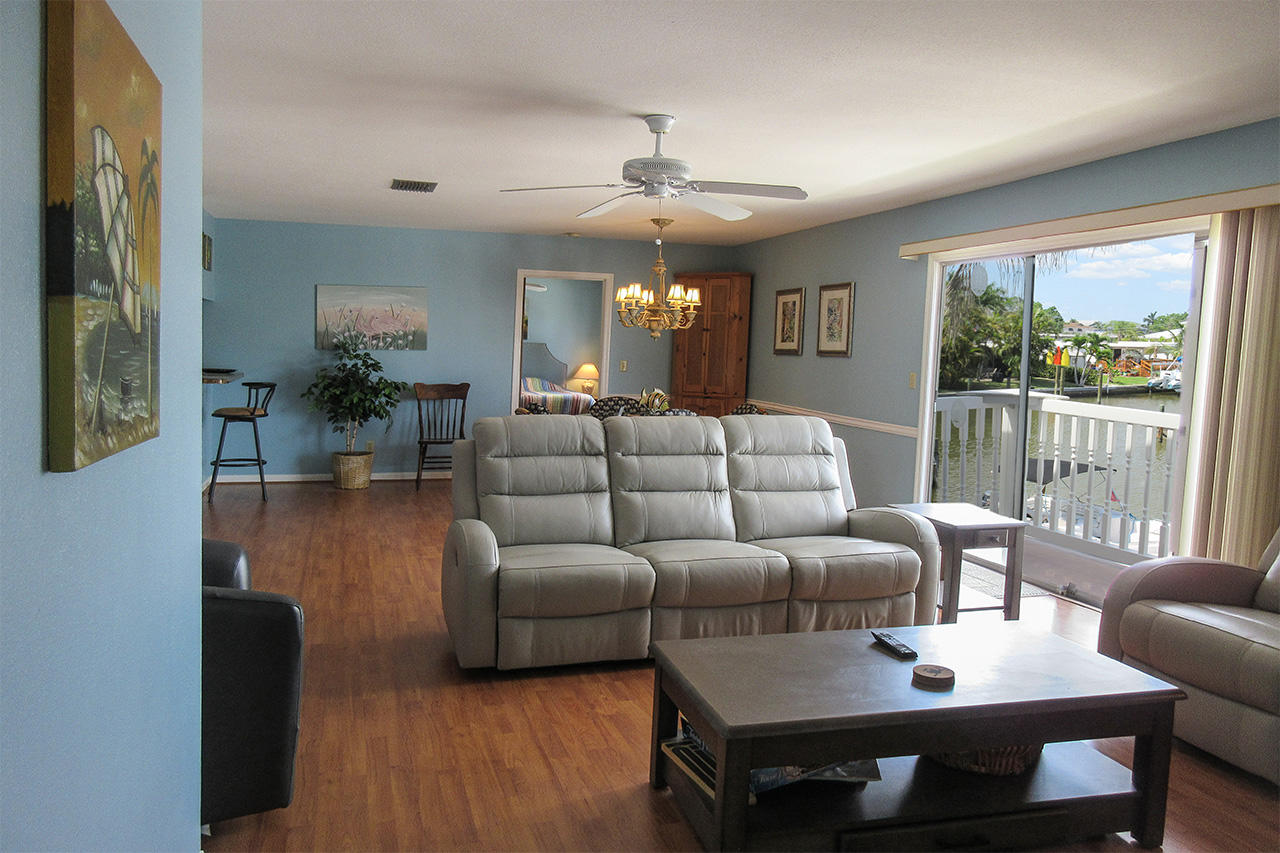Island Breeze is a spacious, light and airy condo.