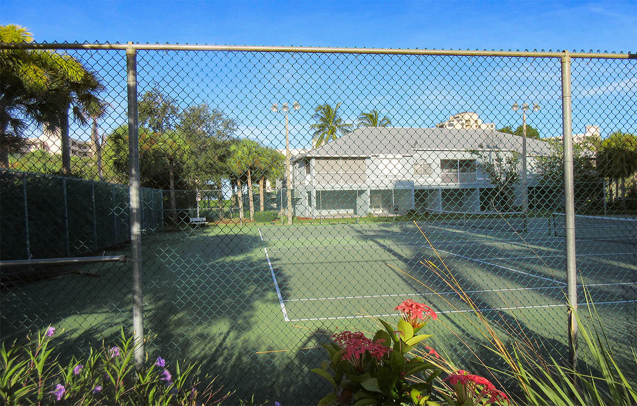 Tennis Courts at Captains Bay