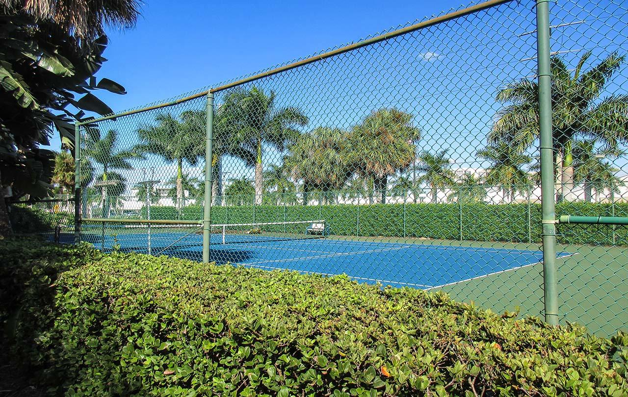 On Site Tennis Courts at Creciente