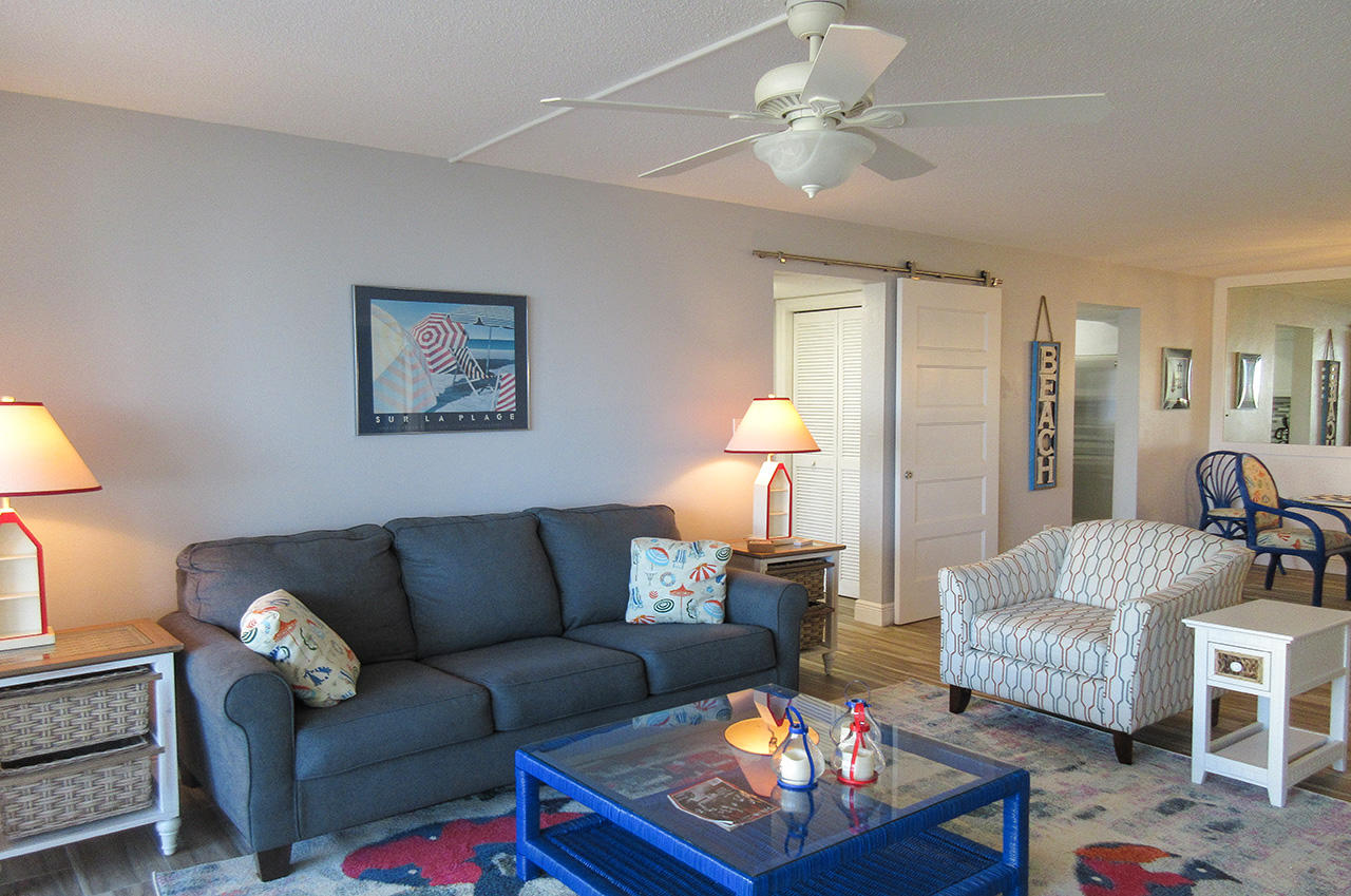 Watch TV or enjoy the Gulf View