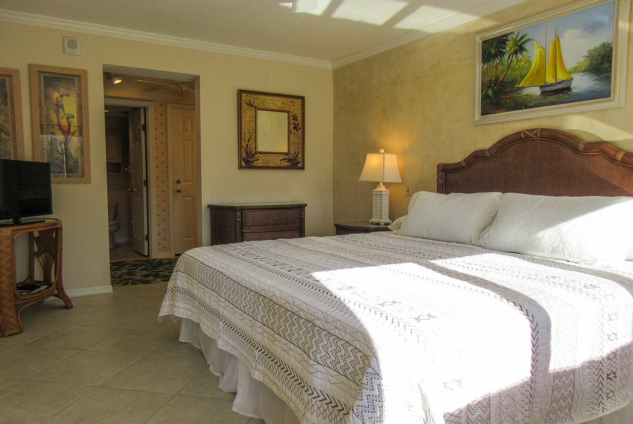 Master Bedroom at Harbour Pointe 127