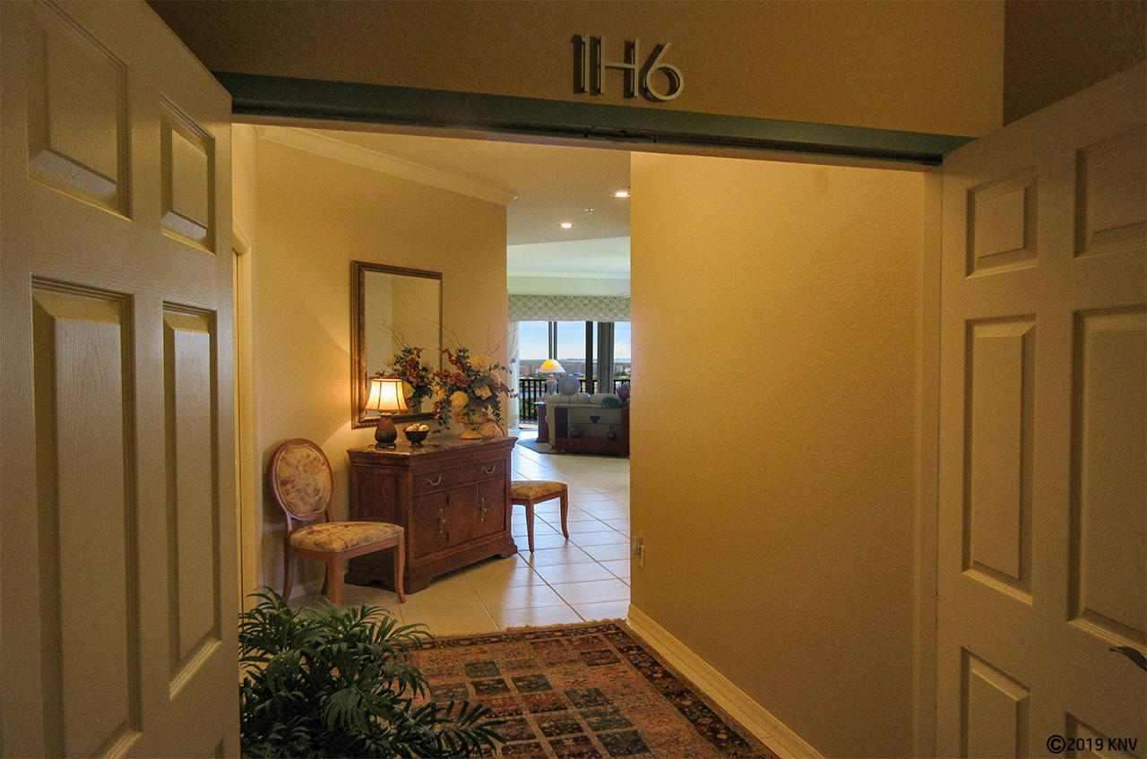Entrance to the Fabulous Waterside Penthouse H6
