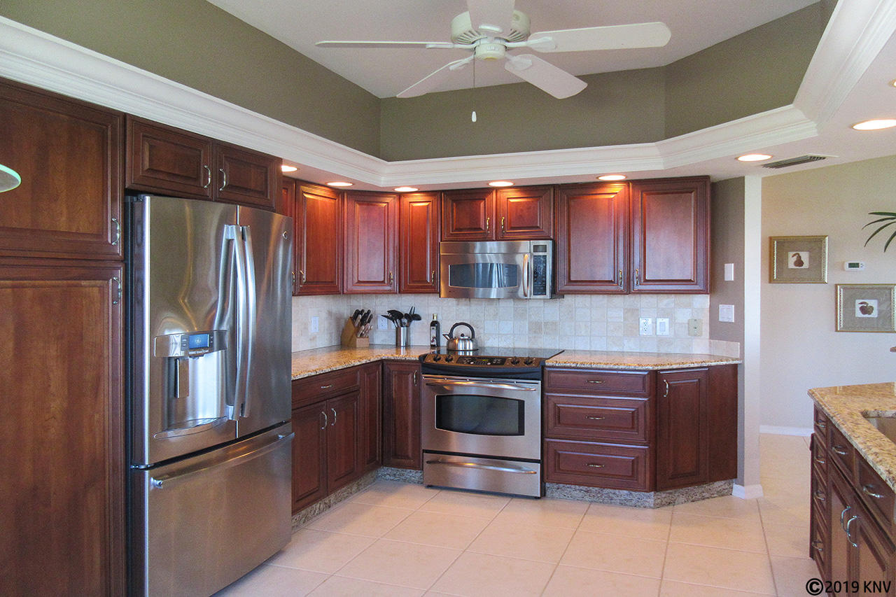 Gorgeous Full Equipped Kitchen