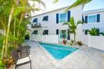 Siesta Key 3 Bedroom 3 Bath Home w/ 12 Person Hot Tub or Heated Pool Sleeps 10