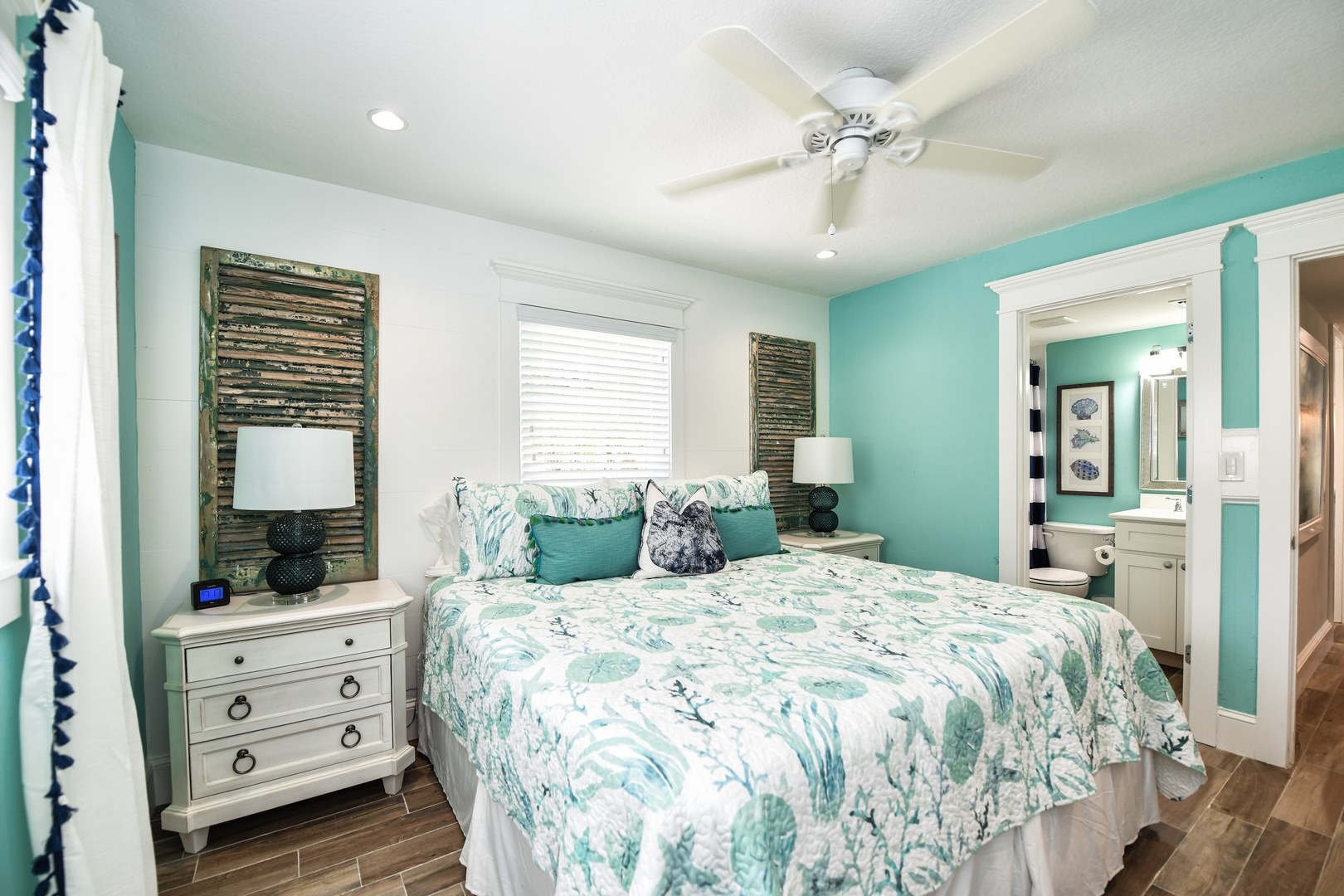Master Bedroom 2 - King Bed, Ceiling Fan, Closet & Dressers