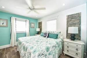 Master Bedroom 2 - King Bed and great colors
