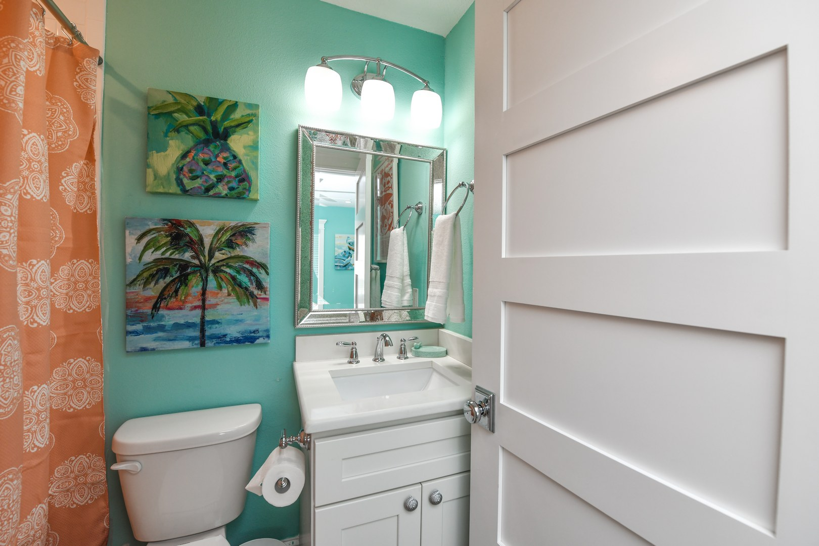 Master Bathroom - Vanity and Commode