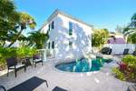 Pet Friendly house rental steps to Siesta Key Village with 3 bedrooms short walk to the beach