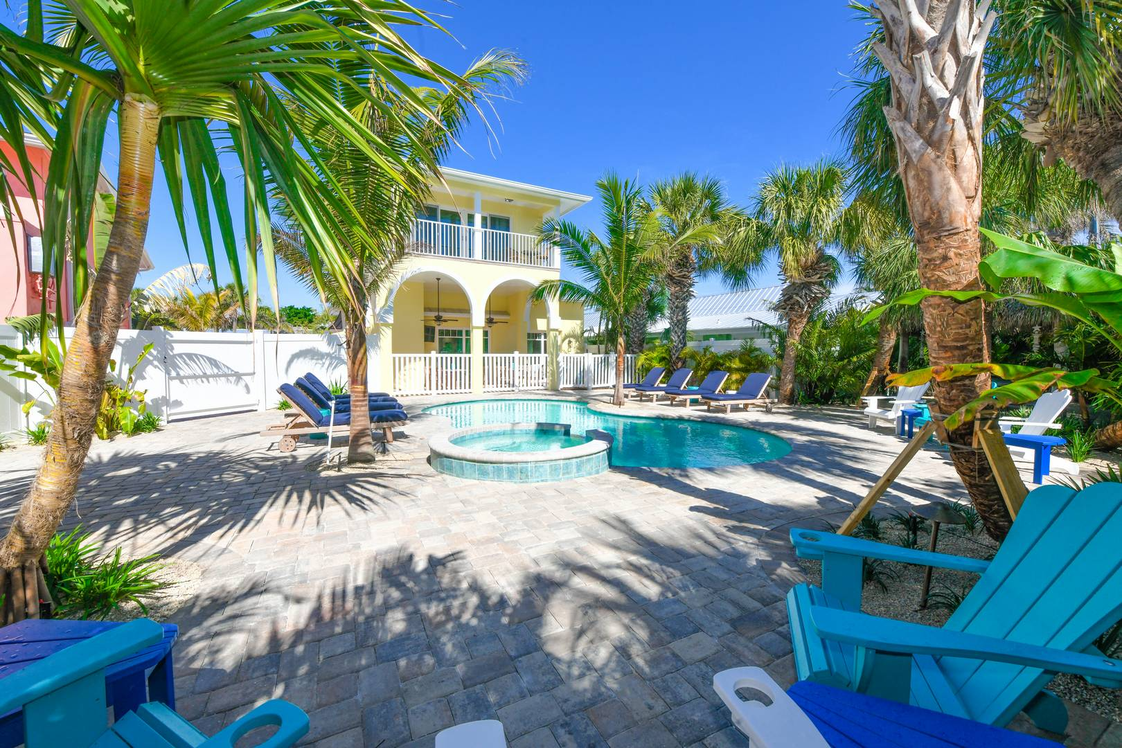 Best Entertaining Back Yard on Siesta Key