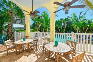 Private Patio. BBQ Grill. Bar. Child Safety Fencing