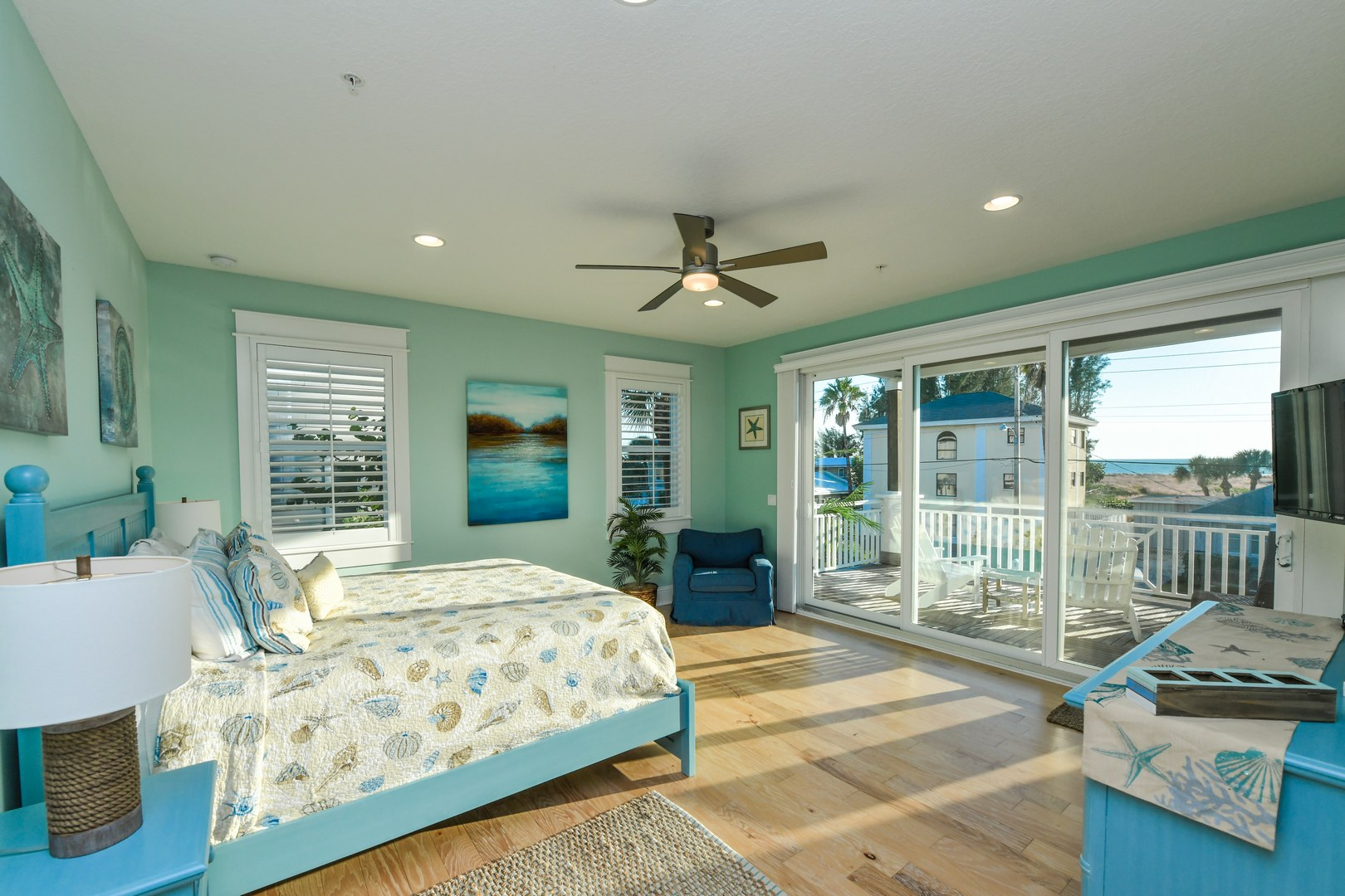 Master Bedroom - Views of the Beach