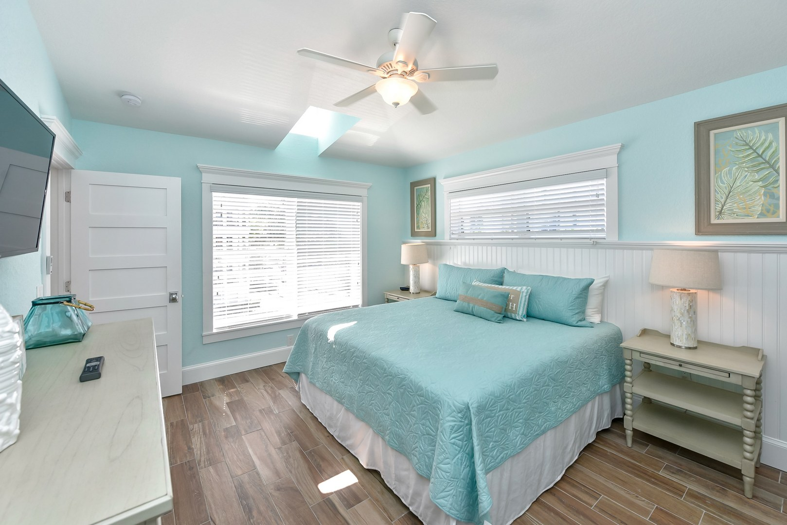 Example - Bedroom 4 - King bed