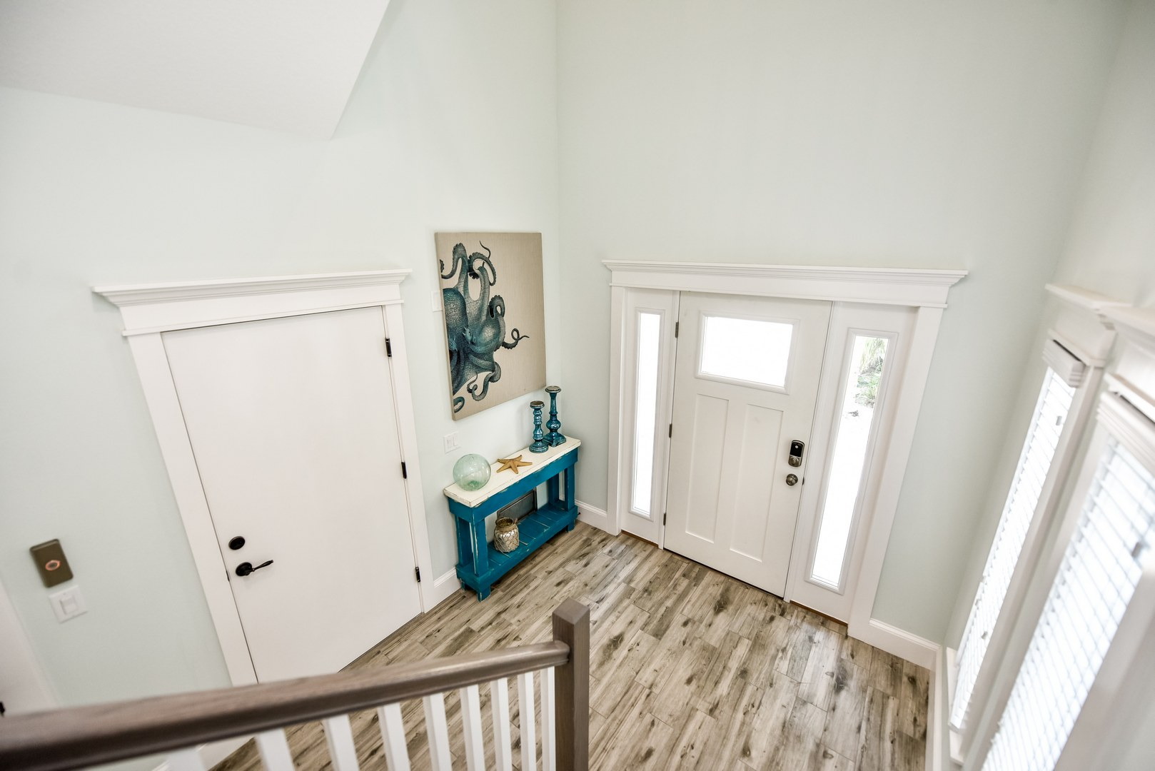 EXAMPLE - Entry way