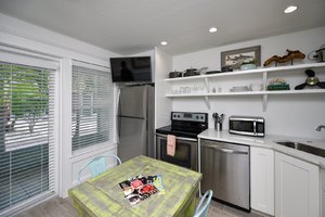 Eat in Kitchen Space