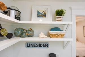 Even the Kitchen Shelving has Great Decor'