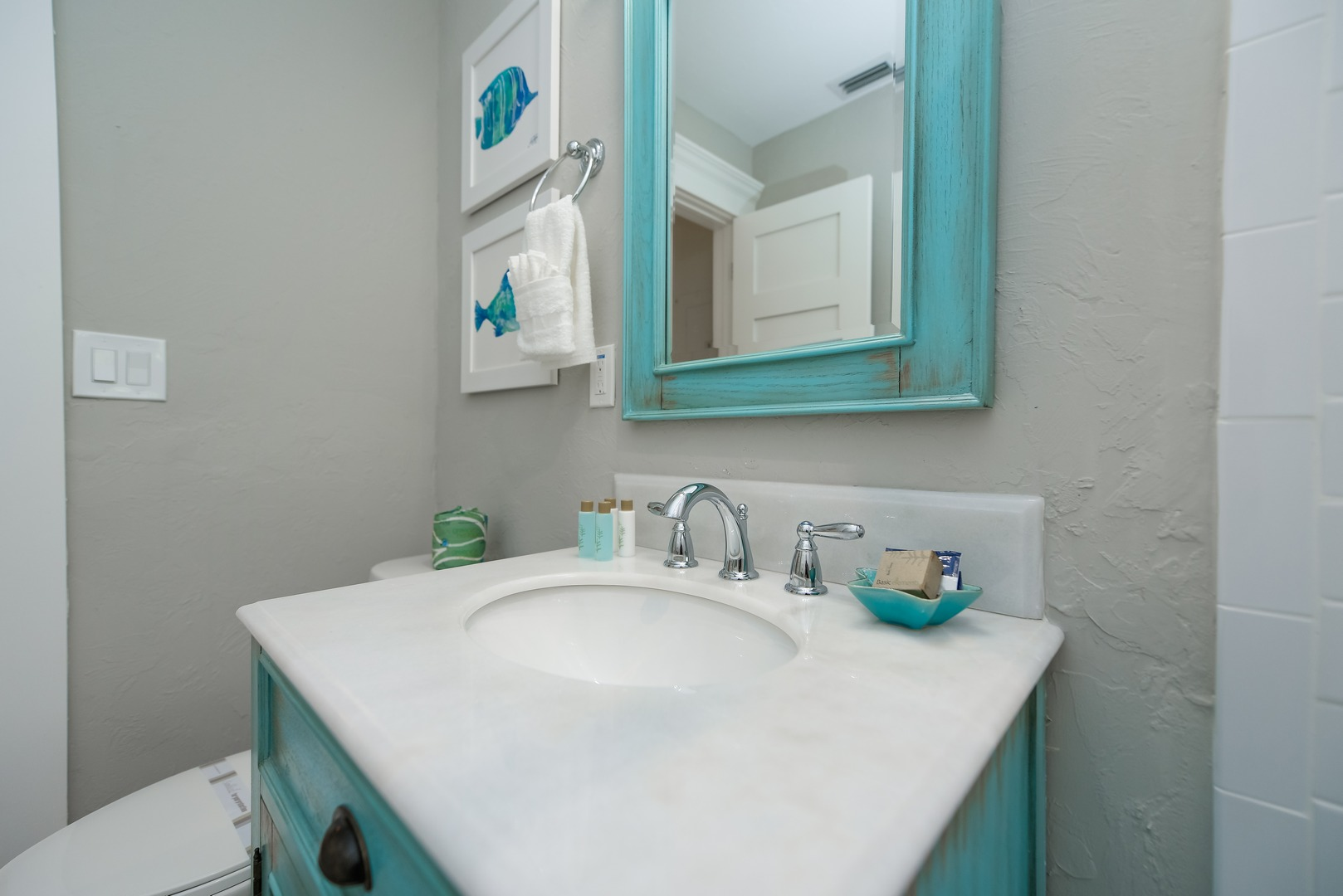 Vanity with Distressed Mirror to Match