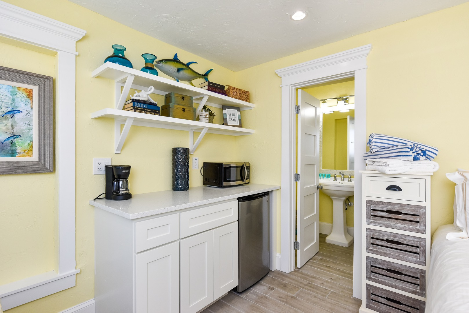Kitchenette and Food Preparation Space
