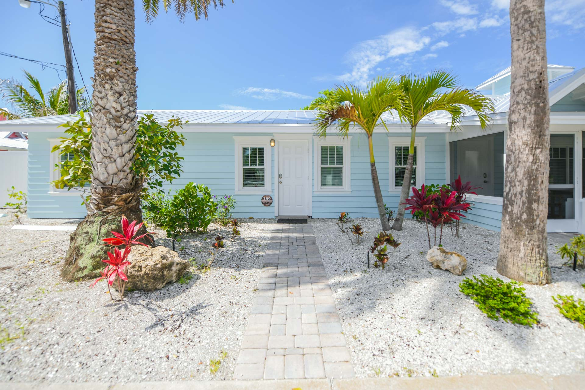 Treasure Island Bungalow Place To Stay On Vacation 1 Bedroom 1 Full