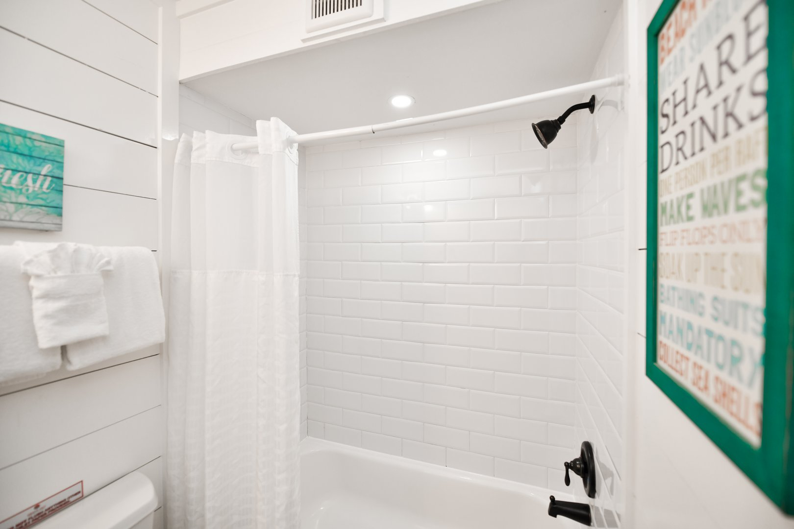 2nd Bathroom - With Shower and Tub Combination