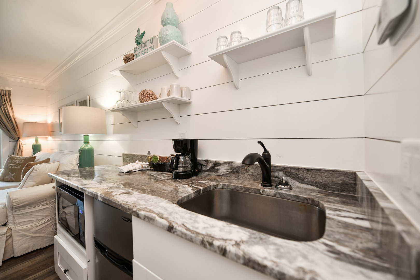 newly remodeled granite counter tops