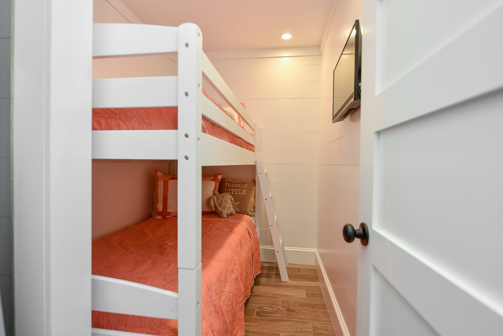 Bunk Bed Room with TV - Perfect for the kids!