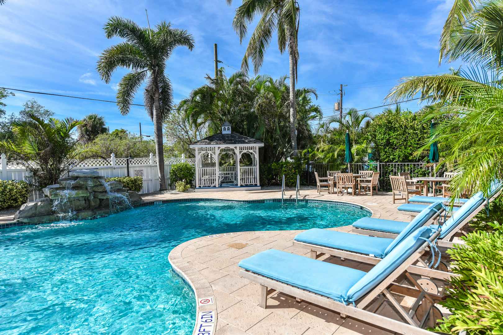 The Keys House Pool and Spa - Just outside your door