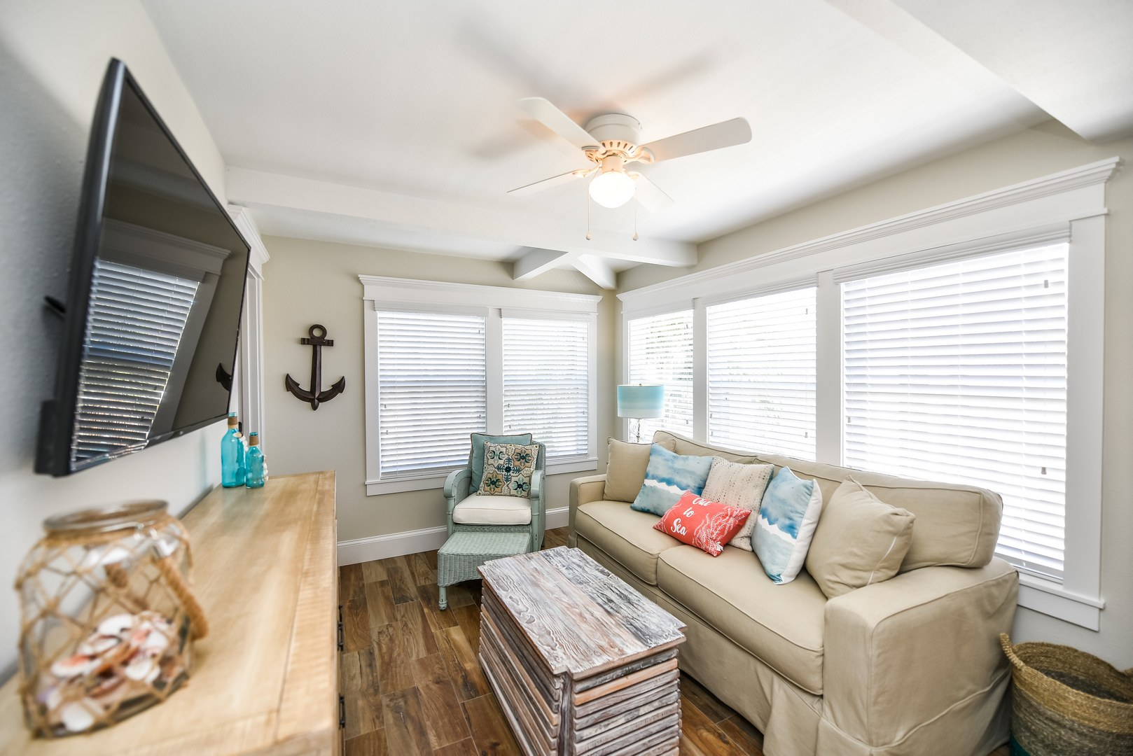 Gorgeous Remodeled 1 Bedroom Superior Suite