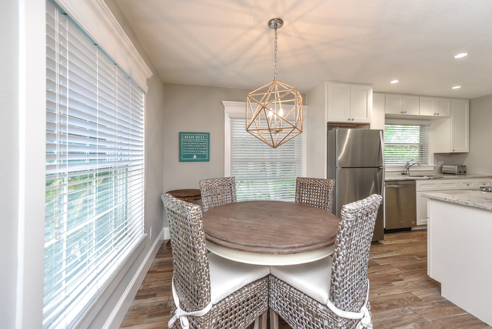 Dine in Kitchen is a Great Feature - TV visible from Dining