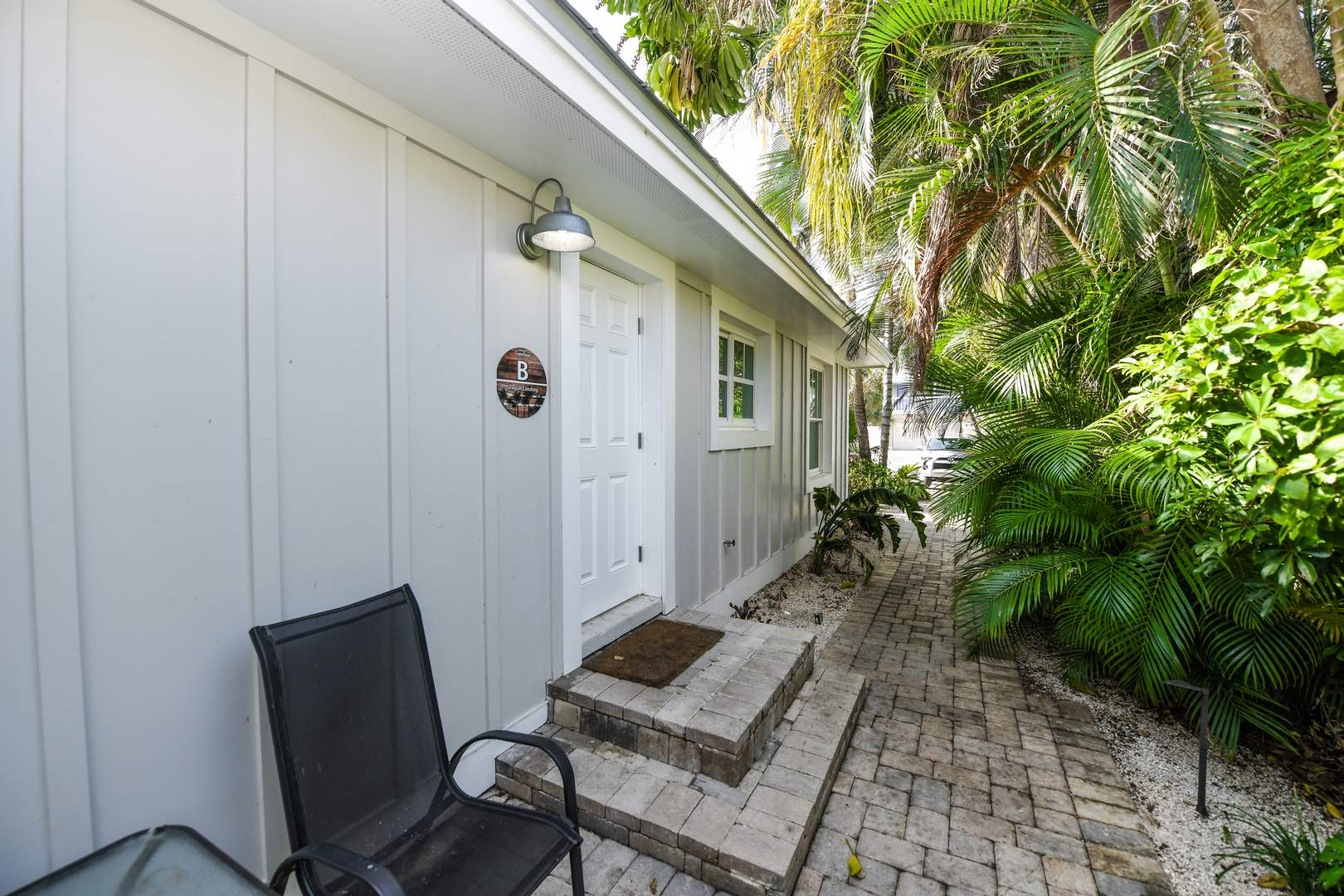 Privacy and Outdoor Space - 1/2 Block to Beach and Village
