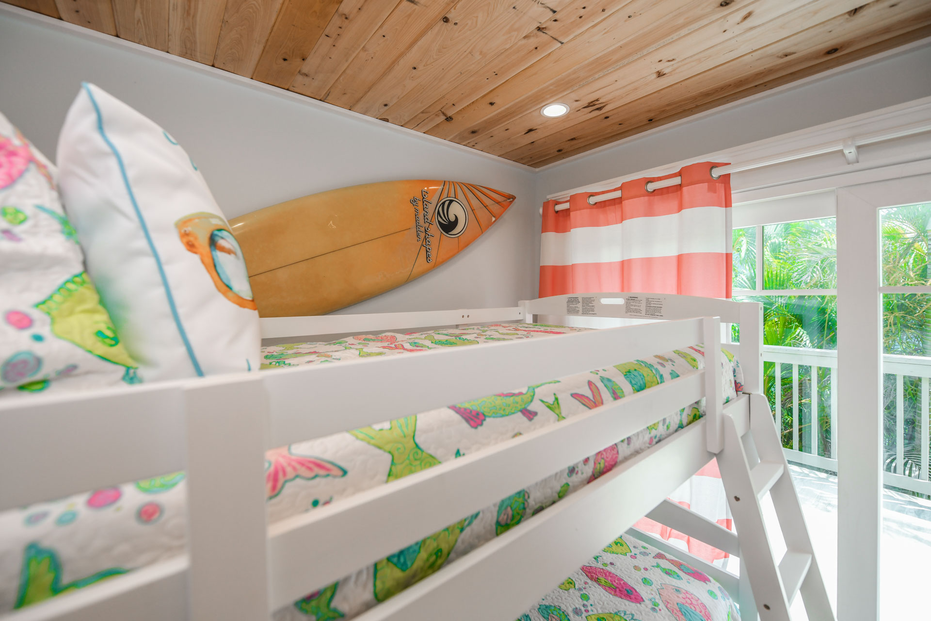 Bunk Bed - Beautiful Design with a Balcony Access