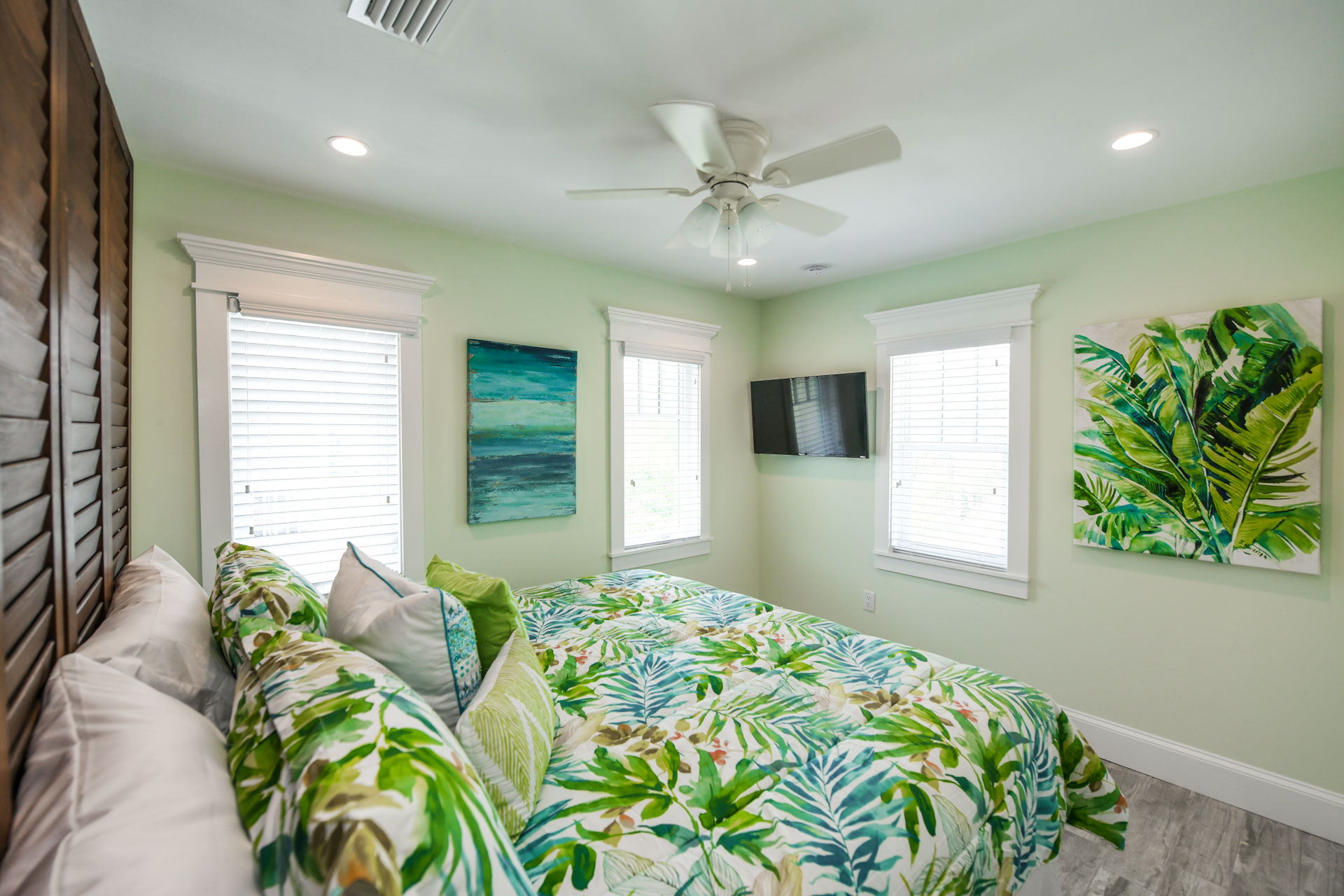 Bedroom 1- King Bed with Hawaiian Inspired decor