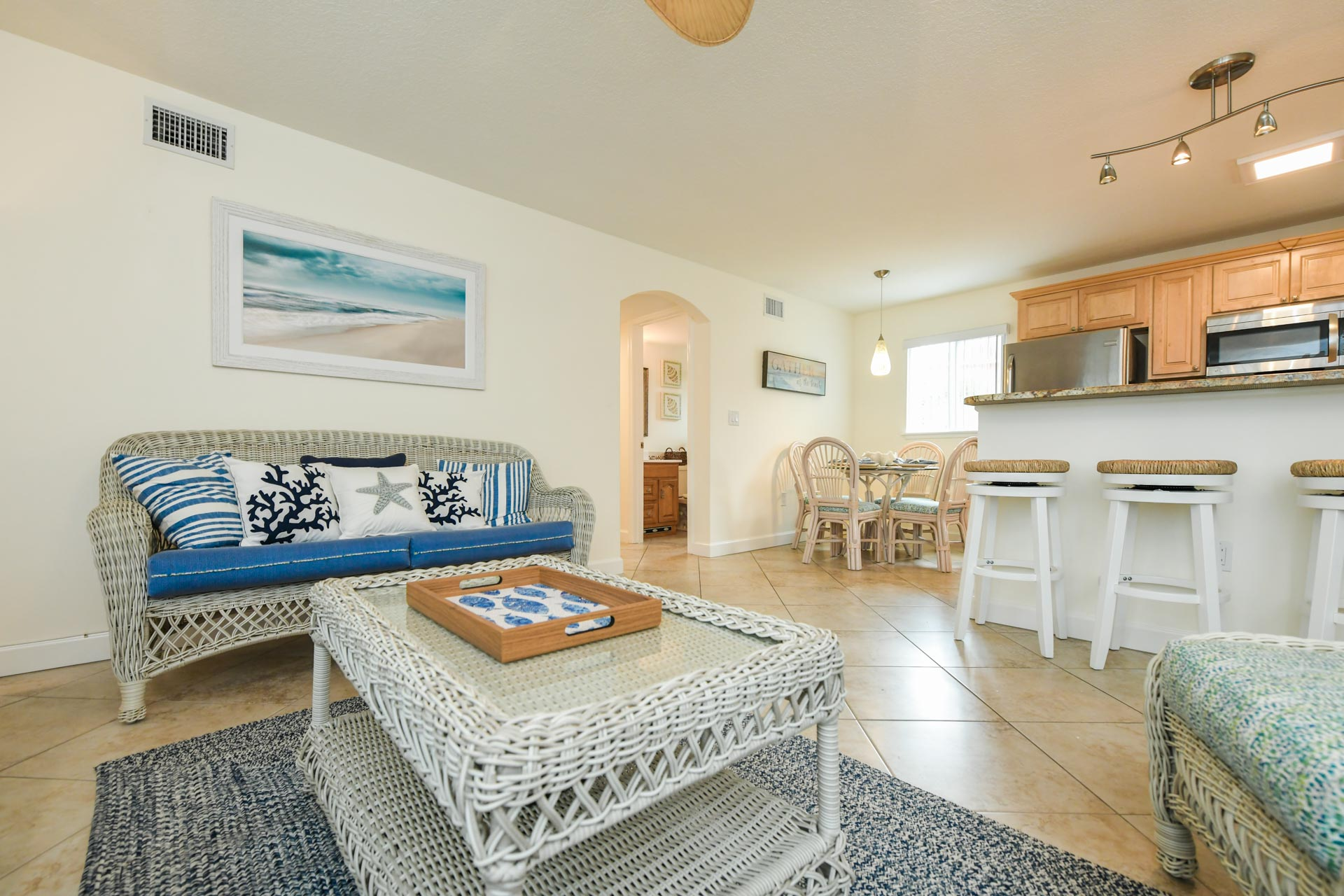 Open floor plan with living room, kitchen and dining area